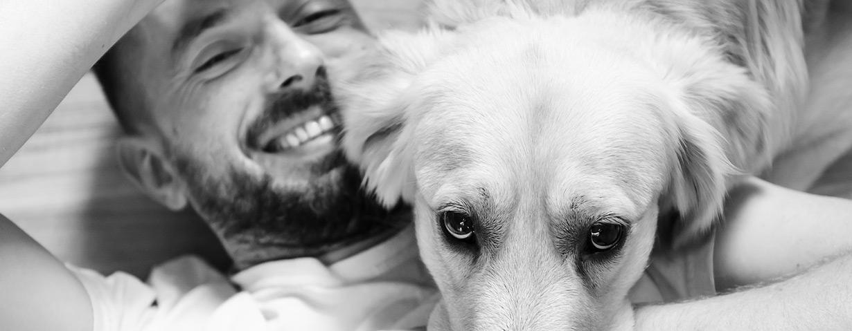 Herrchen und Hund: Nicht nur optisch ein Dreamteam